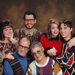 2nd Annual Awkward FamilyPhotos