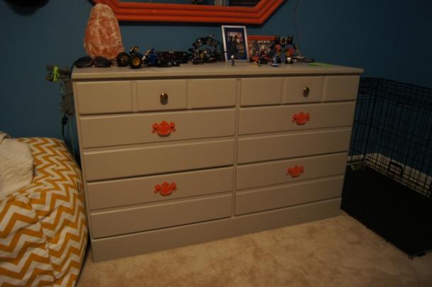 Dresser rivalry is no longer apparent.
